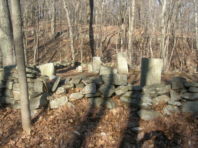 1.1.1 Den Cemetery, 1820, Easton, CT. Overview of early cemetery to integrate whites and free blacks in CT.