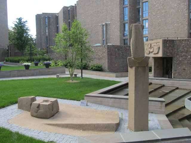 1.2.1 Constantino Nivola, 1962, Stiles College, Yale University.  Overview of sculptures in Eero Saarinen interior courtyard