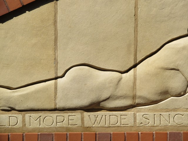 2.5.15. Reclining Nudes, Christian Petersen, 1936, Iowa State University, Ames.  Pointing with historic matched mortar.