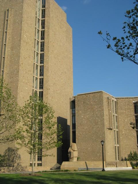 2.9.1 Constantino Nivola, 1962, Morse College, Yale University. Site specific sculpture in Eero Saarinen architecture.