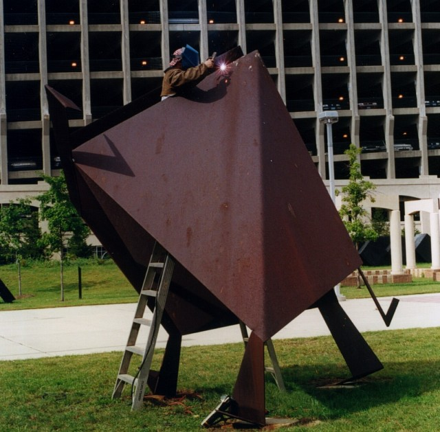 3.1.3 Kite, Jasha Green, 1977, Housatonic Museum of Art,  Bridgeport, CT. Overview of the Cor-ten sculpture.