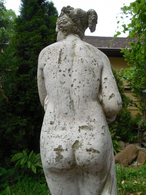 3.5.10 Pandora, early 20th century, cast concrete, private collection. Overview of Detail of failing coating and losses.