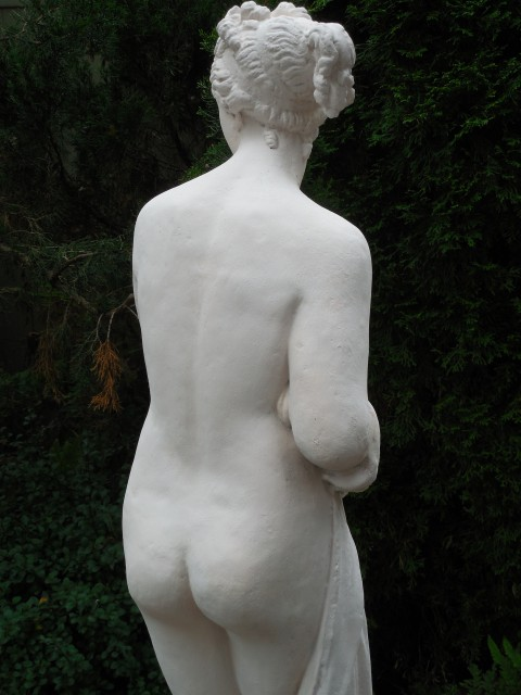3.5.12 Pandora, early 20th century, cast concrete, private collection. Detail after treatment.