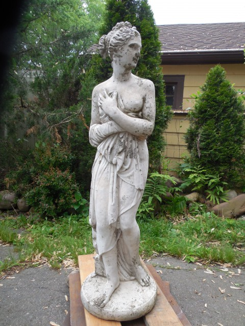 3.5.9 Pandora, early 20th century, cast concrete, private collection. Overview of failing coating.