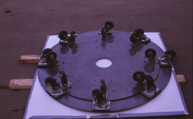 3.6.3 Obelisco Transportable, Damian Ortega, Private Collection. Base plate and wheels after treatment.