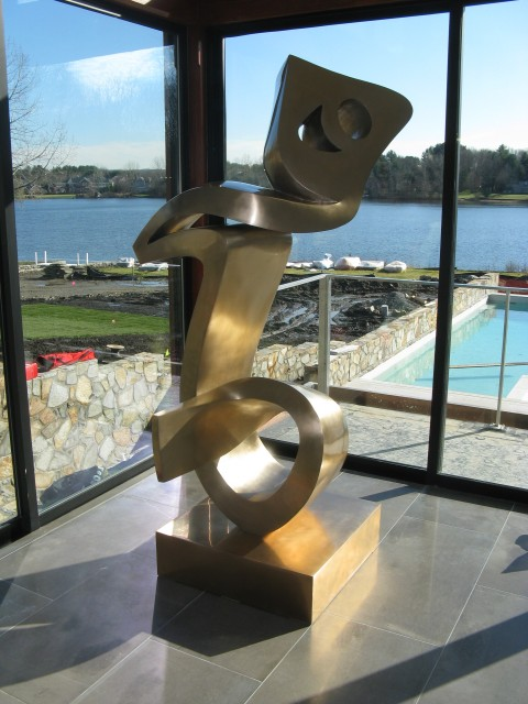 "6.3.15 Heech, Parviz Tanavoli, private collection.  Overview of the bronze contemporary sculpture depicting Persian symbol for ""nothing""."