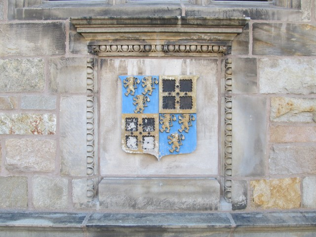 6.6.7.5 Saybrook College Crest, Saybrook College, Yale University. View of Crest. College entry