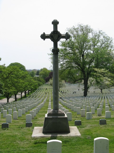 1.6.9 French Cross,  Unknown, 1920, Cypress Hills National Cemetery, NY. Back overview during assessment.