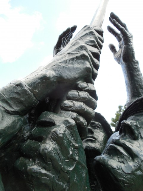 9.5.8  National Iwo Jima Memorial, Petrovics, 1995, New Britain, CT. Monument detail.